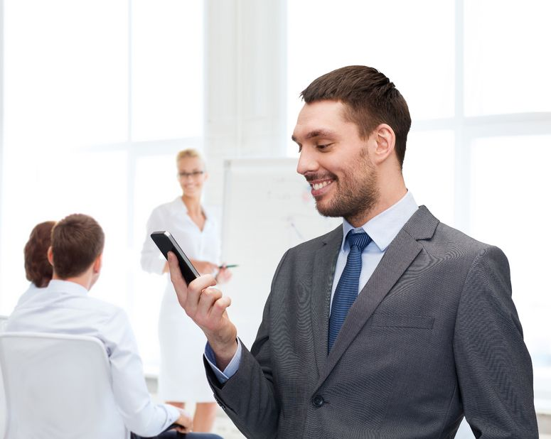How a mobile sales application alleviates the stress of sales reps